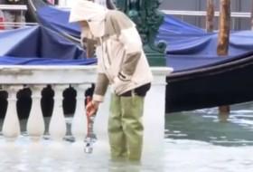acqua alta, san marco, turista